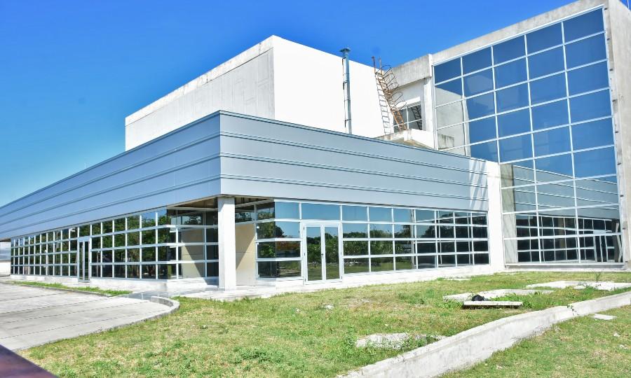 Avanzan terminaciones del Centro de Medicina Nuclear y Radioterapia de Formosa